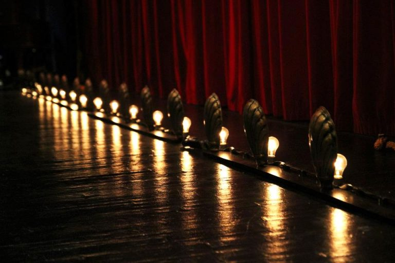 Storytellers raise money for Blue Ridge Community Theater
